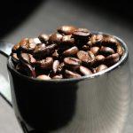 Kolik kofeinu mohou dospělí, dospívající nebo děti?