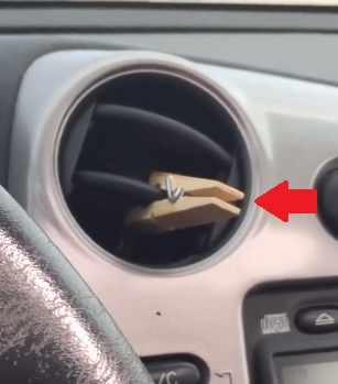 I kolíček s esenciálním olejem se dá použít jako osvěžovač vzduchu do auta.