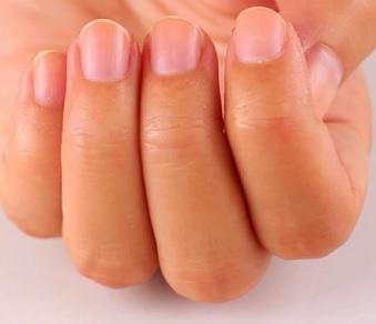 Správná péče o popraskané nehty