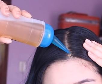 Sezamový olej vaše vlasy vhodně ošetří.