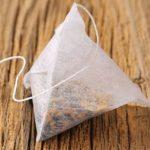 Čajové sáčky mohou obsahovat mikroplasty – vy je snad chcete pít?