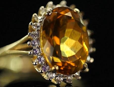 Takto může vypadat prsten s citrínem.