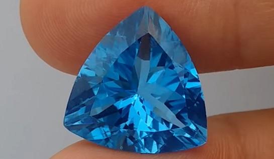 A takto vypadá modrý topaz