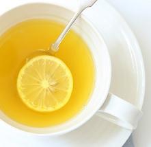 Nápoj na ranní detox s citronem a zázvorem