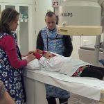 Skiaskopie (fluoroskopie) – co to je, jak funguje a k čemu se používá?