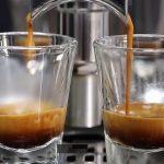Předávkování kofeinem – kolik je už fakt hodně?
