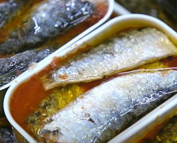 Dejte si sardinky, jsou zdravé z mnoha důvodů.