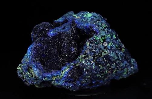 Azurit je opravdu nádherný kámen.