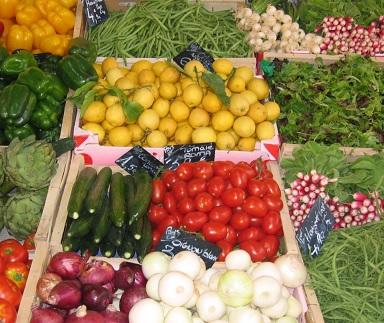 Do jídelníčku přidejte barevnou zeleninu a ovoce.
