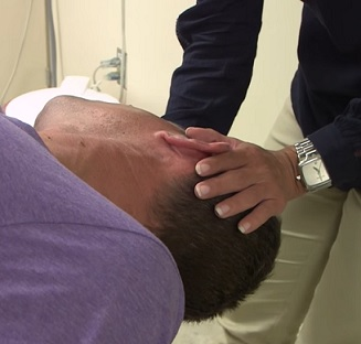 Diagnostické i léčebné manévry při BPPV mohou pomoci.
