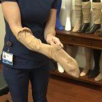 Kompresní punčochy a ponožky – jejich výhody – proč je nosit?