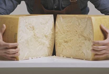 Parmezán obsahuje více bílkovin, než jiné druhy sýrů