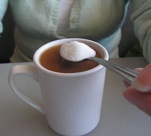 Nadměrná konzumace cukrů může způsobit kvasinkové potíže v pochvě, ale také ve střevech.