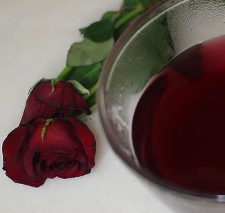 Růžová voda vám mže pomoci při akné