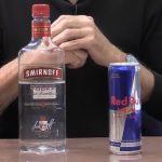 Vodka a Red Bull – proč je nikdy nemíchat? Jaký vliv na zdraví může mít tento drink?